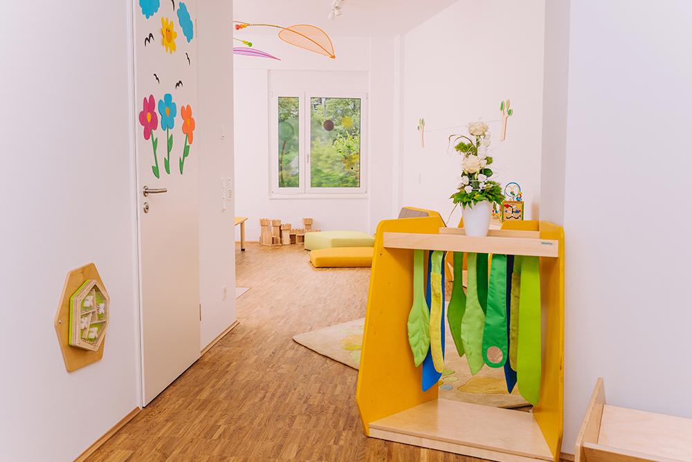 Gelbes Haus | Sinnesblätterschrank