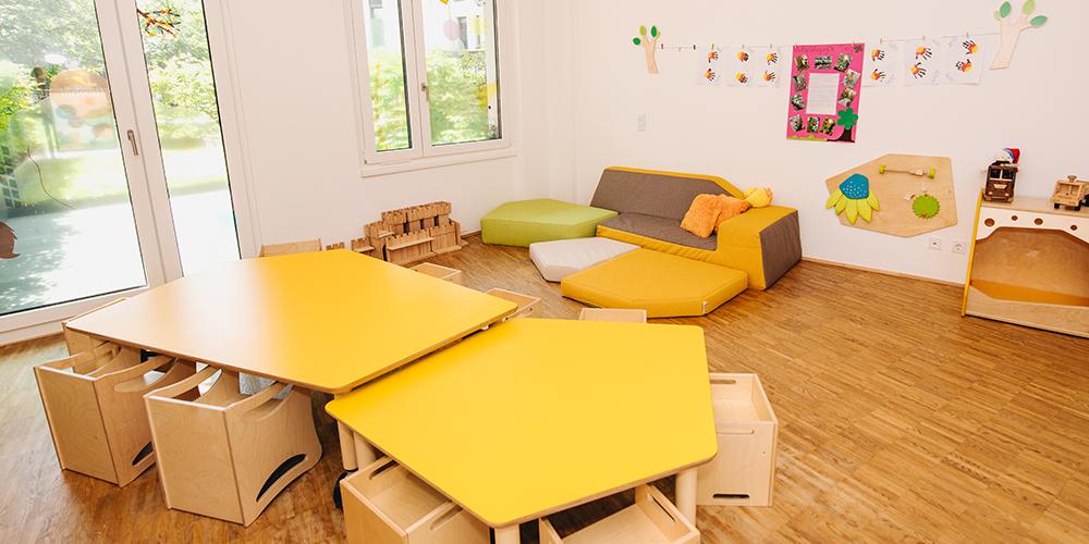 Gelbes Haus | Spielsofa